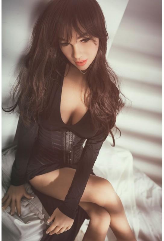Chaleureuse Love doll en TPE - 158cm - Gwen