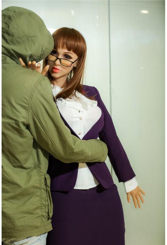 Love doll IronTech en TPE - 170cm - Suzie