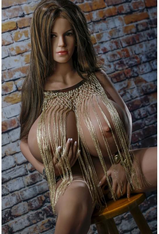 Love doll poitrine énorme 150cm - Clio